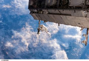 iss-548328_960_720