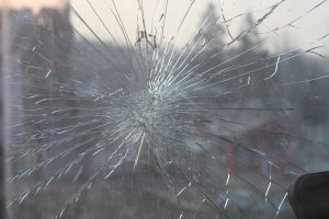 broken-glass-269716_960_720