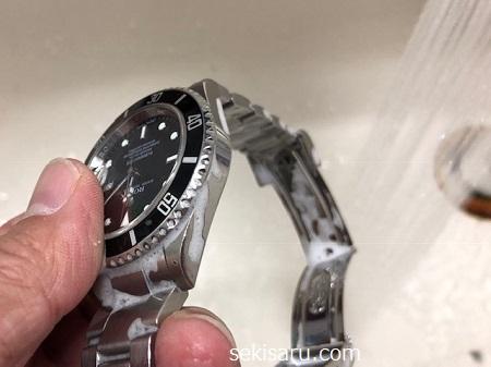 時計を真水で濯ぐ