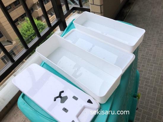 次亜塩素酸水を拭きかけた弁当箱を干す