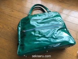革のエナメルバッグ